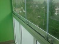dsc01270-zasklenie-balkona-aluvista